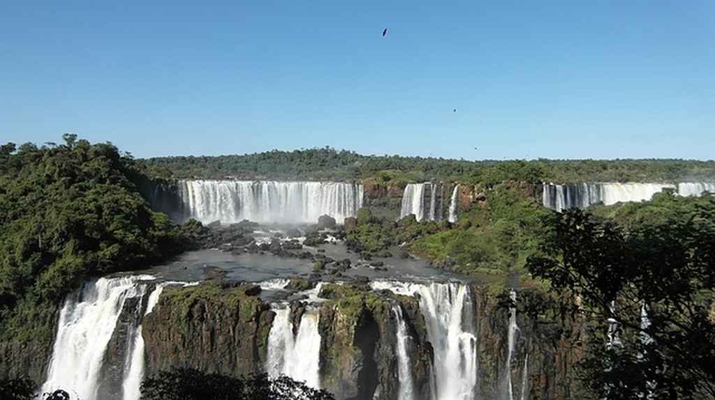 Iguazu falls holiday in Argentina