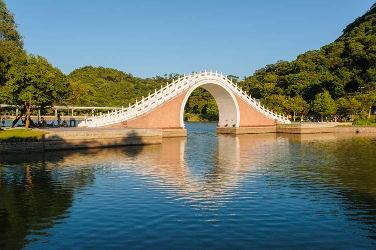 Moon Bridge, Dahu Park, Taipei, Taiwan