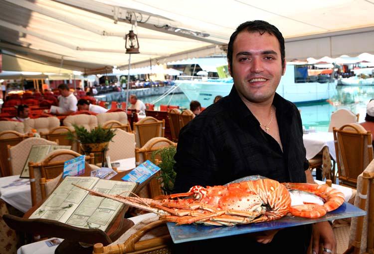 Friendly and Professional Staff in Greek restaurants