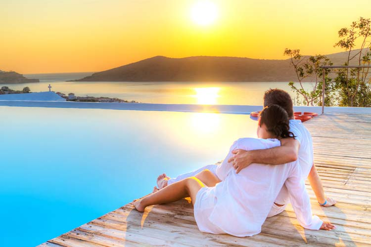 Reasons You Should Visit Greece in 2015