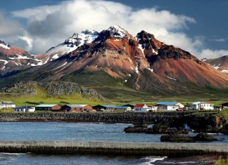Tips for Traveling Iceland on a Budget