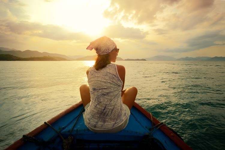 8 Courageous and Inspiring Female Travelers