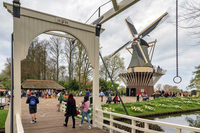 keukenhof bridge and mill