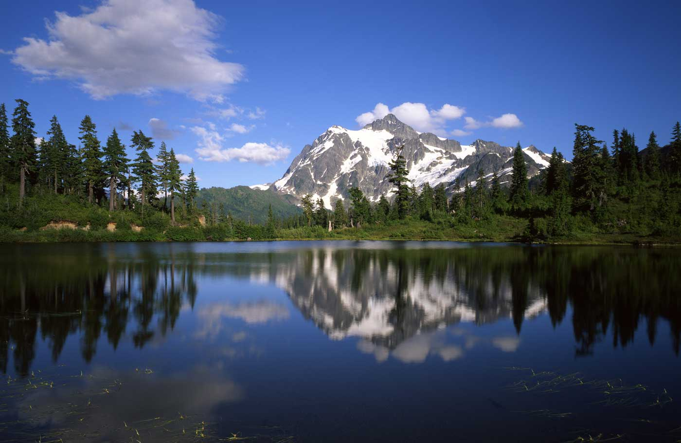 North Cascades National Park has unbelievably beautiful scenery