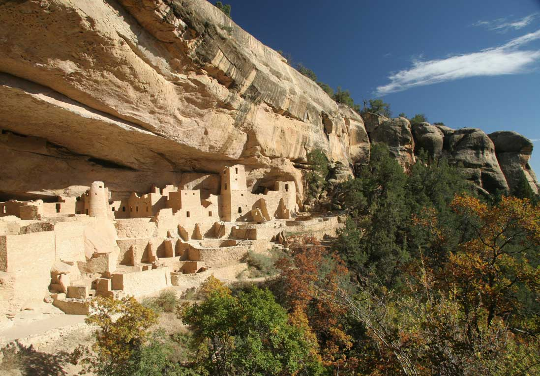 Mesa Verde National Park has fascinating ancient cliff dwellings