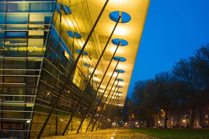 Delft University of Technology Library