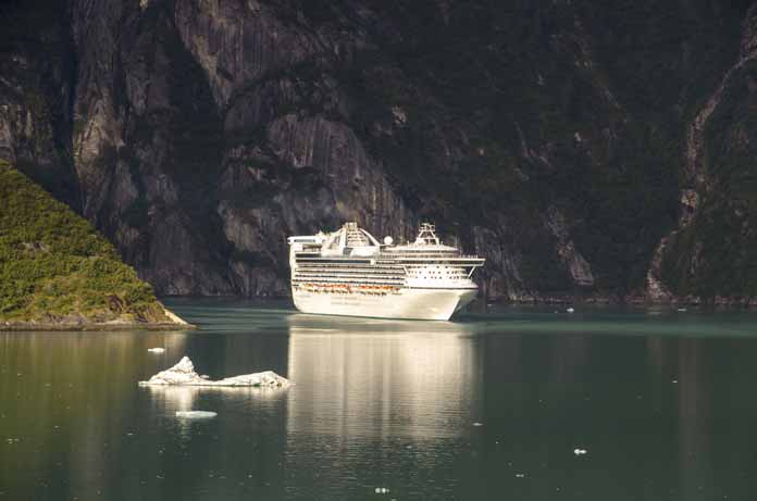 tracy arm fjord cruise