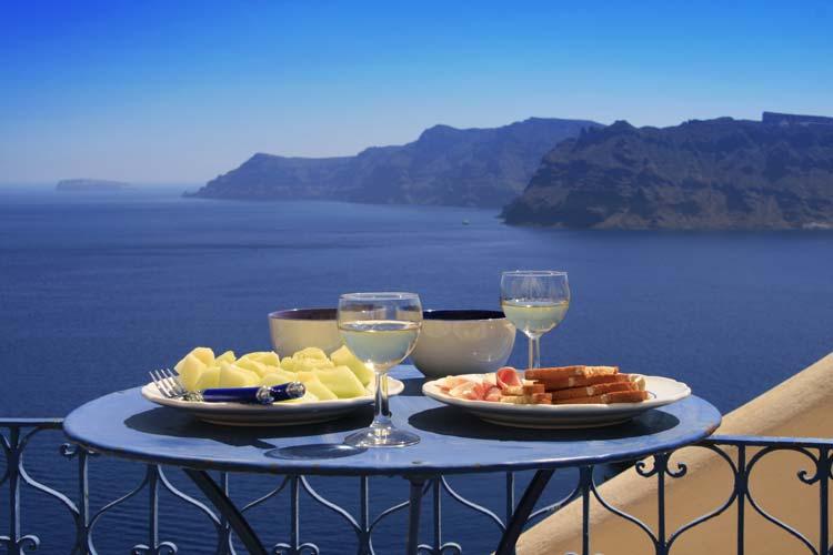 Greek-Dinner-in-Santorini