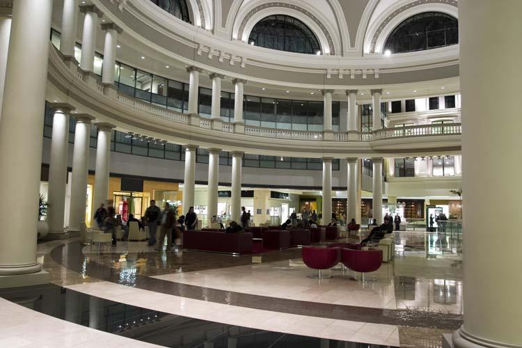 San-Francisco-Shopping-Center