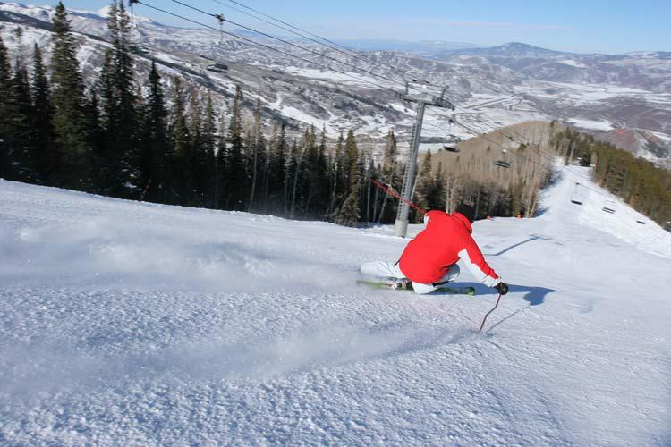Skiing-in-Aspen-Colorado