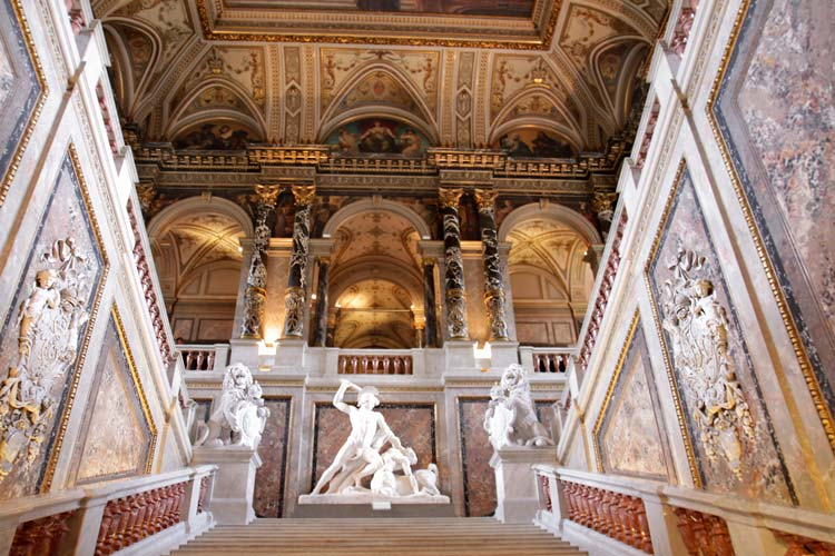 Staircase-inside-the-Kunsthistorisches-Museum-in-Vienna-Austria